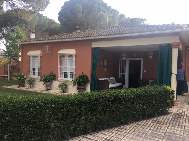 Compra de chalet en sevilla rogil inmobiliaria for Alquiler de casa en pino grande sevilla